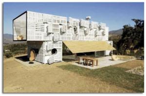 Case Manifesto Costruito con container marittimi e pallet3