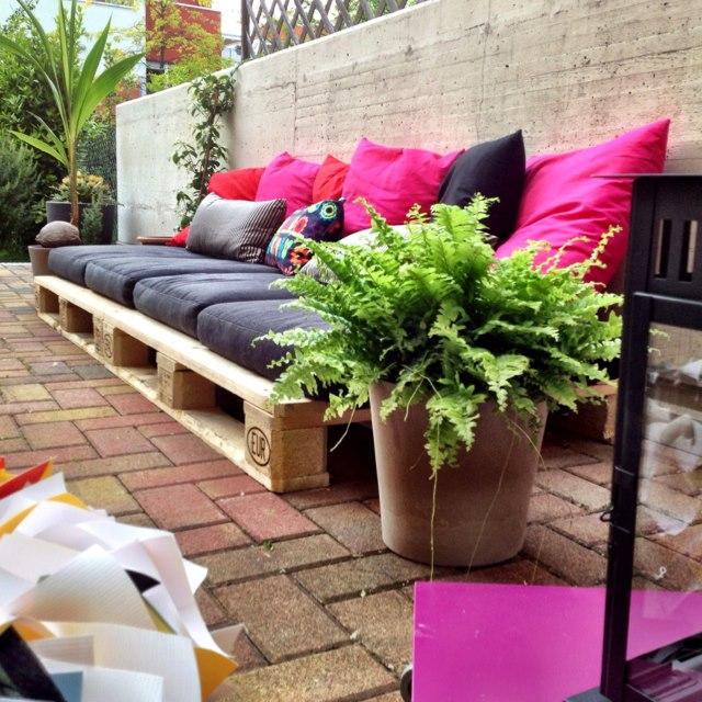 ... giardino con pallet in legnoMobili con Pallet  Mobili con Pallet