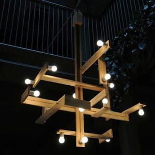 Lampada con pallet in legno