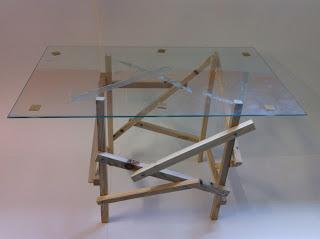 Tavolo design fatta di pallet di legno