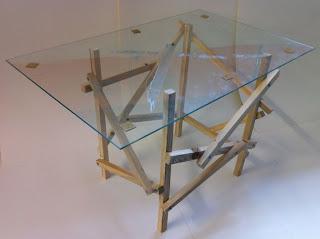 Tavolo design fatta di pallet di legno2