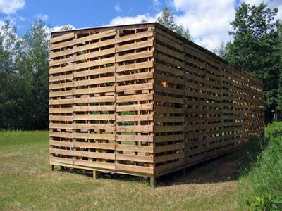 Cabina Costruito con pallet riciclati5