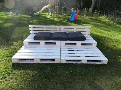 Chill-out tribuna fatta di pallet di legno riciclato