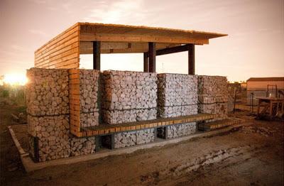 Mobili con pallet centro di produzione agricola costruita su pallet di legno riciclato3
