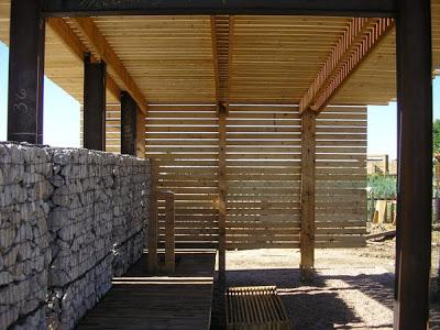 Mobili con pallet centro di produzione agricola costruita su pallet di legno riciclato9