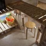 Tavolo e mobili Cucine di pallet con una illuminazione molto originale
