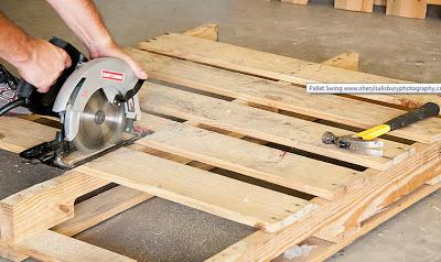 Balancelle faite avec des palettes en bois2