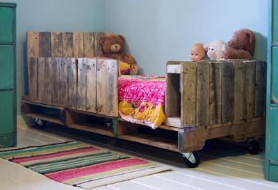 Cheap camera da letto per bambini realizzato con pallet8Mobili con ...