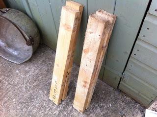 Come fare una fioriera esterna con pallet in legno2