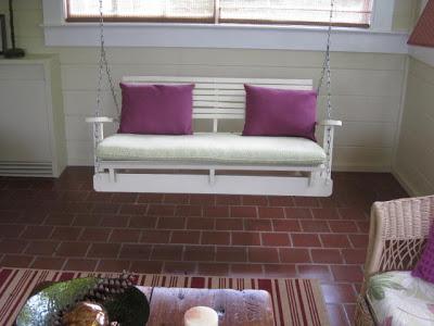 Costruire con il pallet di legno riciclato un divano oscillante