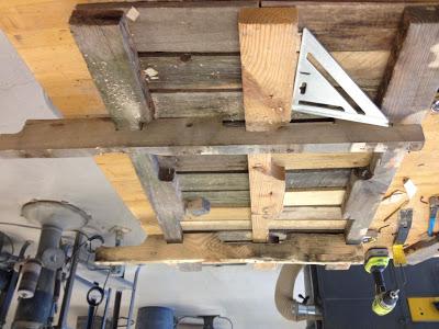Costruire con il pallet di legno riciclato un divano oscillante7