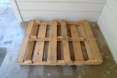 Costruire un parcheggio bici sul vostro portico con i pallet3