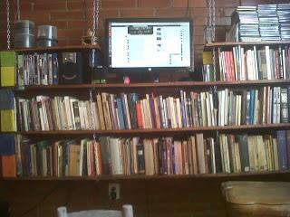 Costruire una libreria pallet appeso per i tuoi libri