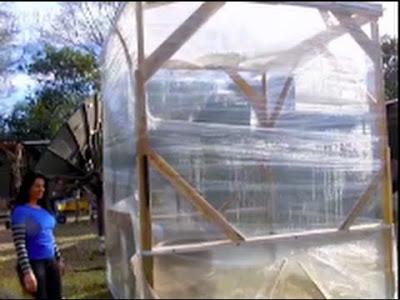 Costruire una serra istantanea con pallet e nastro da imballaggio