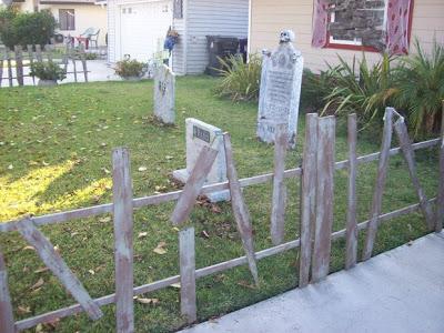 Decora il tuo giardino su Halloween con un cimitero fatto di pallet2