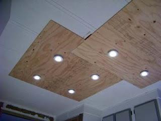 Illuminare in una cucina con tavole pallet di legno4