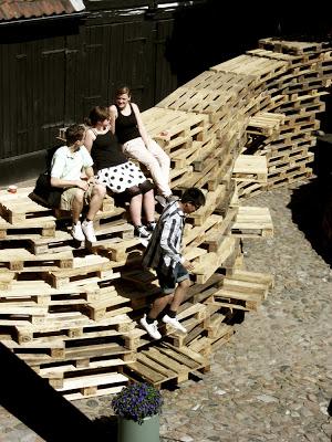 Padiglione fatta di pallet dagli studenti della Scuola di Architettura di Aarhus3
