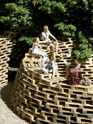 Padiglione fatta di pallet dagli studenti della Scuola di Architettura di Aarhus4