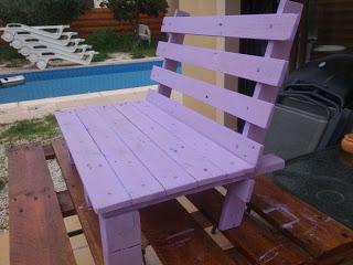 Piccola sedia di design per i vostri bambini fatta di pallet di legnomobili con pallet mobili - Sillas hechas con palets ...