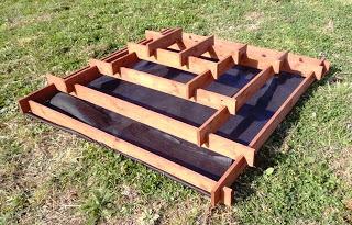 Piramide Fioriera realizzata con pallet per il vostro giardino