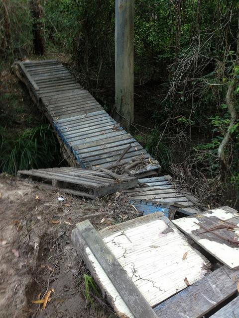 Ponte costruito con i pallet riciclati4