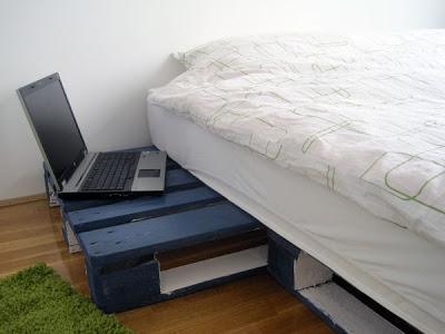 Progetto 3D di un design semplice letto e il suo risultato3
