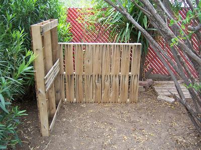 Secchio compost realizzato con pallet di legno2