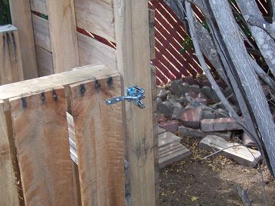 Secchio compost realizzato con pallet di legno7