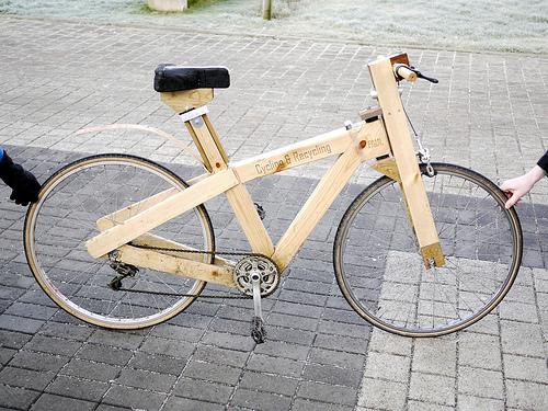 Una bicicletta fatta di pallet di legno !