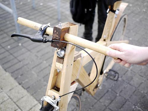 Una bicicletta fatta di pallet di legno !2