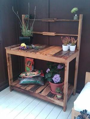 Workwench all'aperto per il vostro giardino fatta di pallet di legno