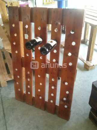 idee portabottiglie realizzati con palletmobili con pallet mobili con pallet. Black Bedroom Furniture Sets. Home Design Ideas