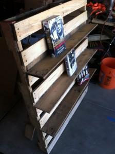 mensola per libri e sedia per esterni realizzata in pallet2