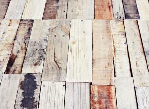 Come fare un tavolo rustico -vintage con tavole pallet (10)