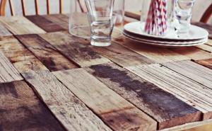 Come fare un tavolo rustico -vintage con tavole pallet (3)