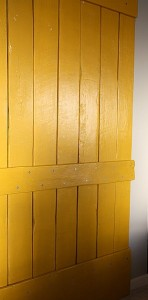 Istruzioni su come fare una porta scorrevole con i pallet 6