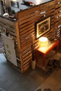 Paravento con pallet in legno