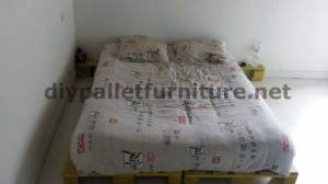 easy bed made ​​with pallets with plans and instructions