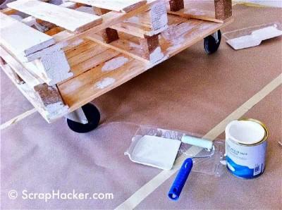 Come fare un tavolino con due palette 2