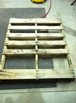 Fare un tavolo con solo legname per paletti