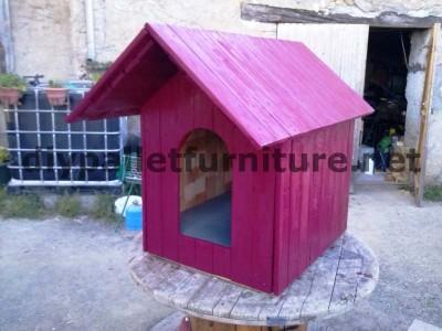 Manou Hund Haus mit Paletten 9