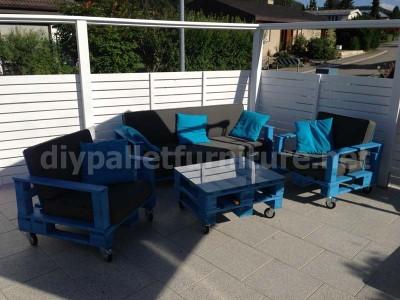 Divano Pallet Esterno : Kit mobili da giardino: divano esterno con palletmobili con pallet