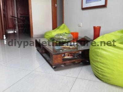 Negli uffici della  Ecoeficiencia Gestión Ambiental , in Ecuador , di conseguenza usano solo mobili in legno di pallet 12