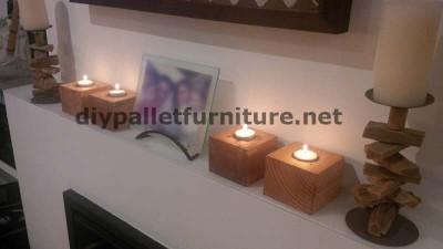 Piccoli lampadari realizzati con blocchi di pallets