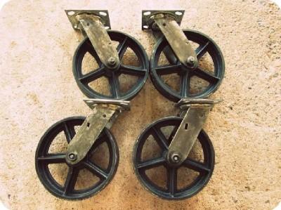 come mettere le ruote di una tabella pallet 2