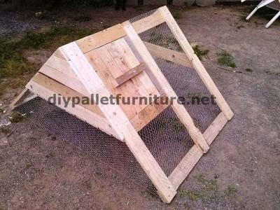 stia costruito con tavole di legno di pallet 1