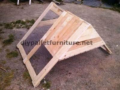 stia costruito con tavole di legno di pallet