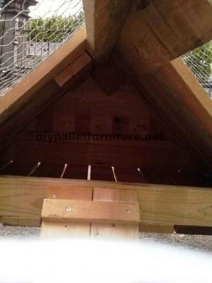 stia costruito con tavole di legno di pallet 6