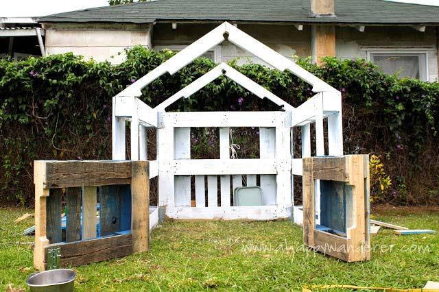 Casetta per i bambini fatta di palletmobili con pallet for Mutuo per costruire una casa