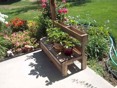 Come fare una panca estiva per il giardinomobili con - Come decorare il giardino ...